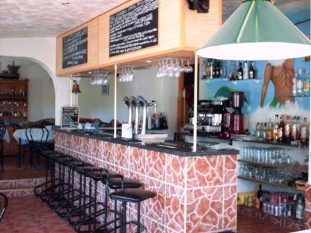 Bar / Restaurant Nr Alicante with Living Acc *reduced From 350000euros To 250000e