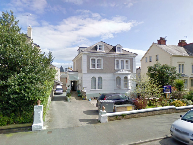 Superb Self Contained Holiday Flats In Llandudno
