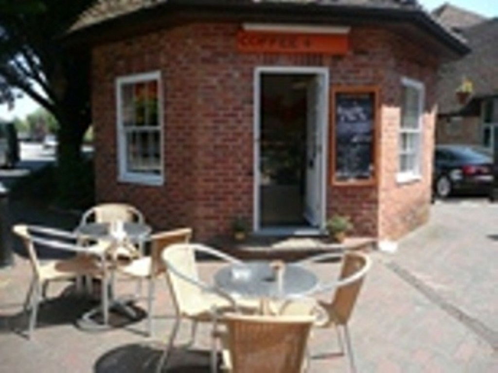 Cafe / Sandwich Bar with Outside Catering Contract