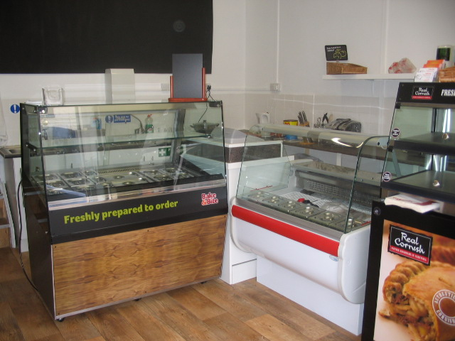 Small Lock Up Sandwich and Coffee Shop Formally A Well Established Bakers The