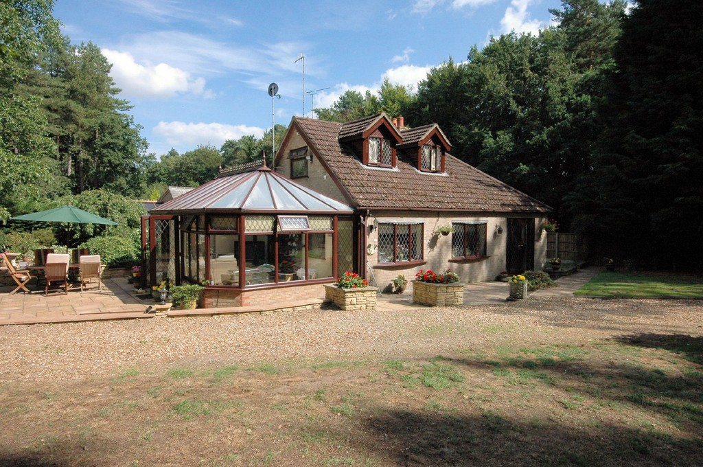 Kennels 0r Cattery  Price Reduced By £55,000 From £450,000