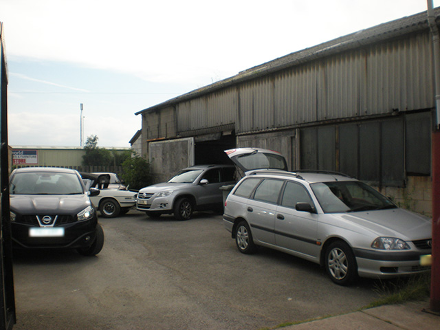 Established Car Painting & Body Repairs Garage