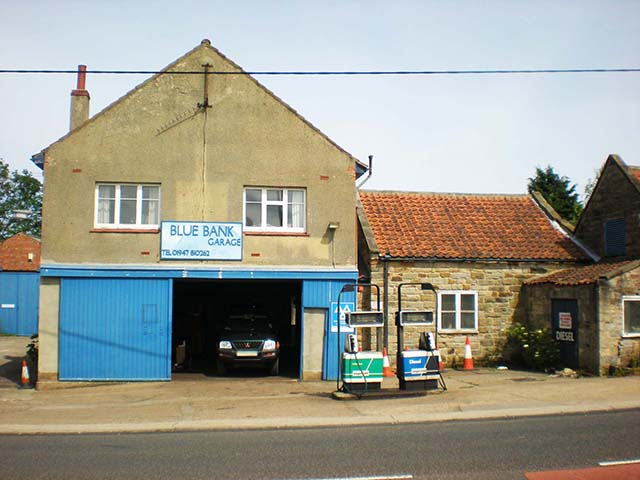 Long Established Garage Services with 4 Bed Owners' Accommodation