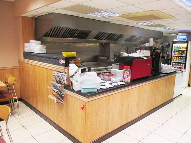 Exceptional Traditional Caf�
