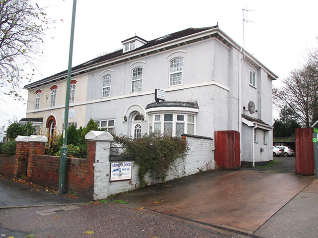 Excellent 8 Bedroom Guest House with Owners' Accommodation