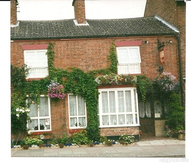 Lovely Freehold Bed and Breakfast & Breakfasts for sale